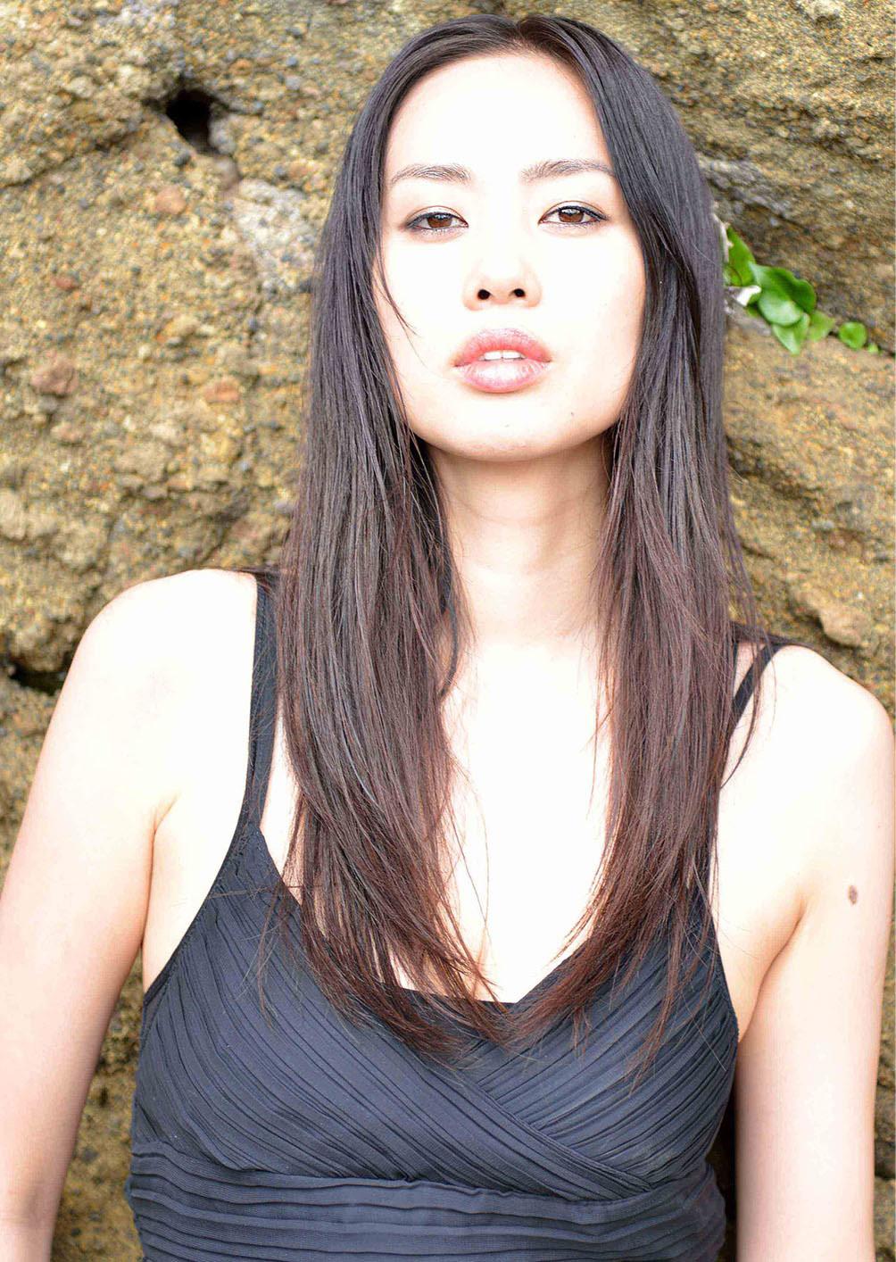 Hitomi Katayama Nude Photos 3